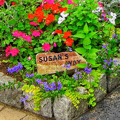 sign for Susan's Way, in tribute to the garden owner's friend 