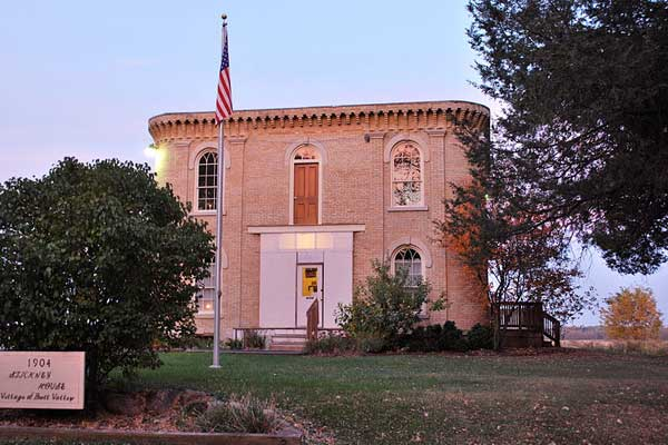 george stickney house, bull valley illinois, historic haunted houses