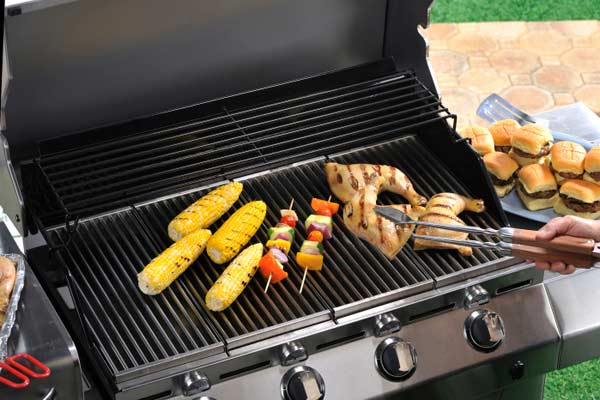 outdoor grilling using tools, 10 uses