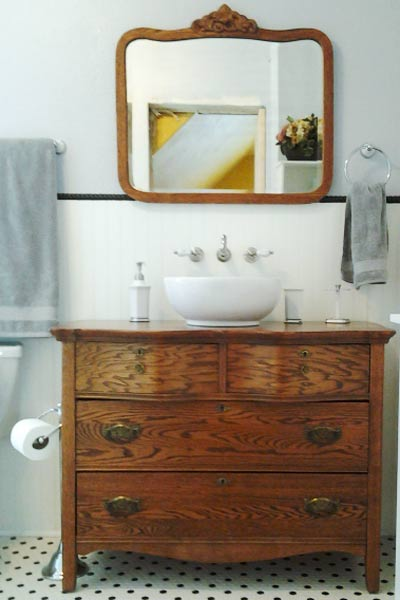Unique and different design best bathroom vanities 2014 - Antique traditional bathroom vanities design ...