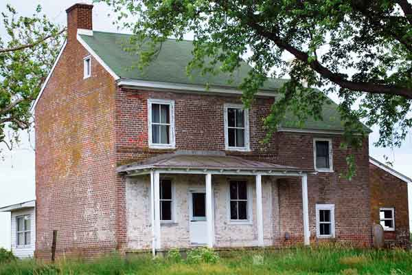 georgian farmhouse exterior with brick exterior, save this old house port penn delaware
