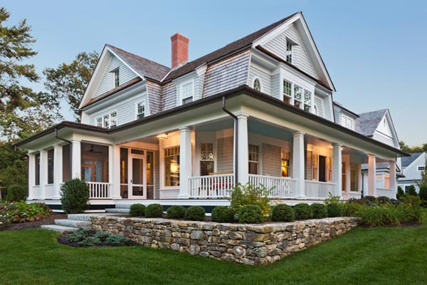 Wraparound porches 9 old house trends you want to bring for Nice home image