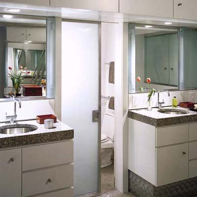 bathroom lighting, fluorescent lights, recessed lighting
