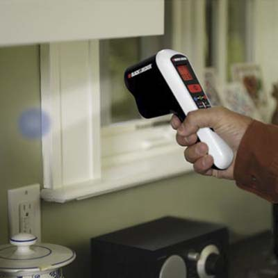 Black & Decker laser-controlled thermal leak detector
