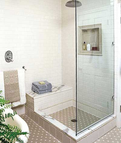 Shower area with rainshower for vintage-style aread