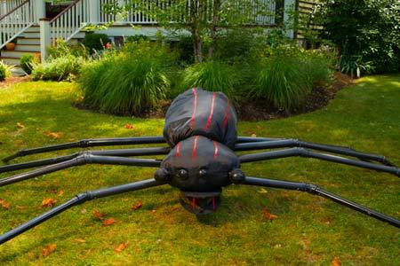 giant halloween spider in yard