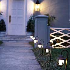 installing landscape lighting tout