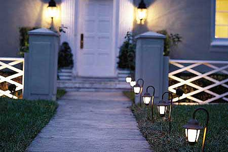 How to Put in Landscape Lighting