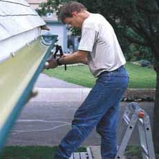 installing rain gutters tout