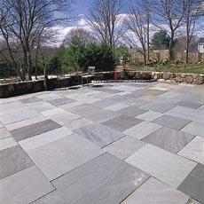 laying a stone patio tout
