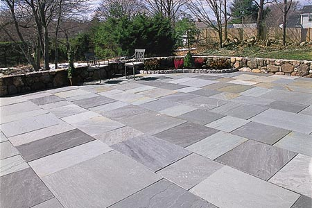 laying a stone patio tout