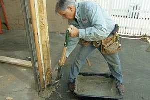 Tom Silva replaces a rotted garage door post